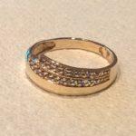 Naprawiony złoty pierścionek.