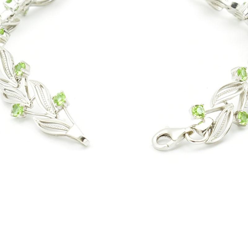 Elegancka srebrna bransoleta z zultanite.