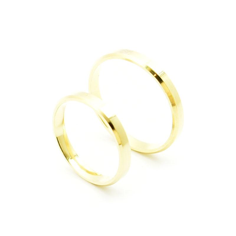6d306771677a31 Klasyczne obrączki ślubne płaskie fasetowane. Złoto 585. 3 mm.