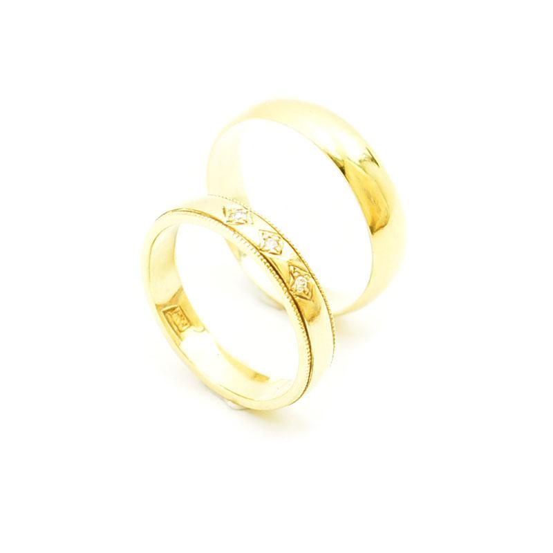 Ręcznie wykonane obrączki ślubne z brylantami.