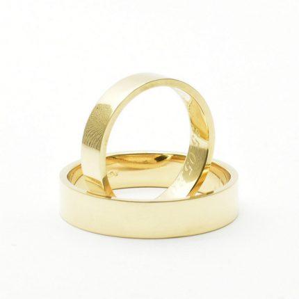 Klasyczne płaskie obrączki ślubne