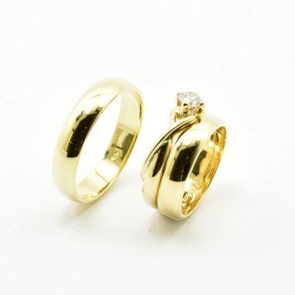 Zdjęcie nr. 4 Obrączki ślubne dopasowane do pierścionka zaręczynowego.