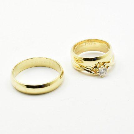 Zdjęcie nr. 1 Obrączki ślubne dopasowane do pierścionka zaręczynowego.