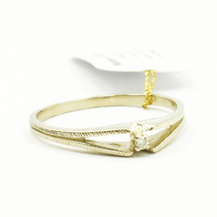 Pierścionek zaręczynowy z brylantem 0,015ct