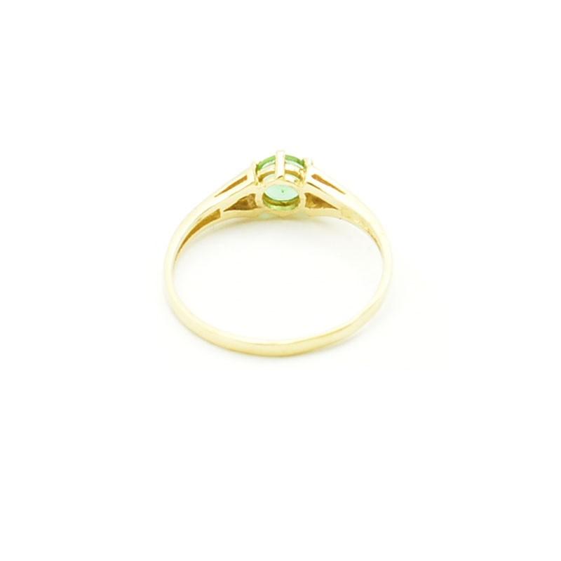 Wnętrze złotego pierścionka z Zultanite i cyrkoniami.