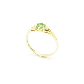 Złoty pierścionek z Zultanite