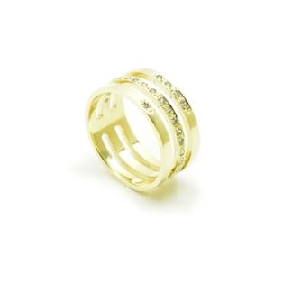 Ręcznie wykonany pierścionek z kamieniami