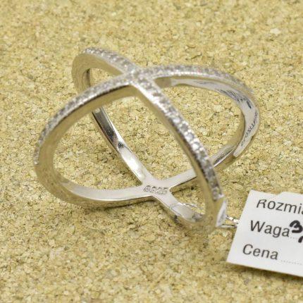 Sebrny pierścionek z cyrkoniami srebro 925