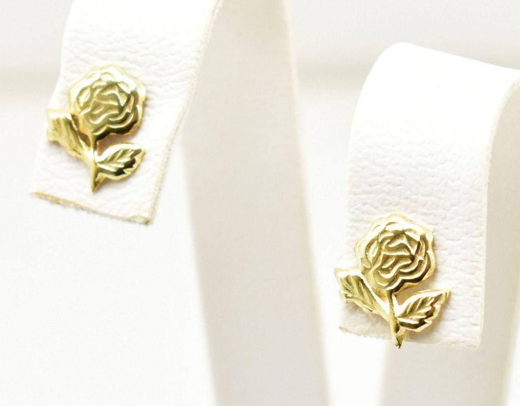Złote kolczyki – różyczki