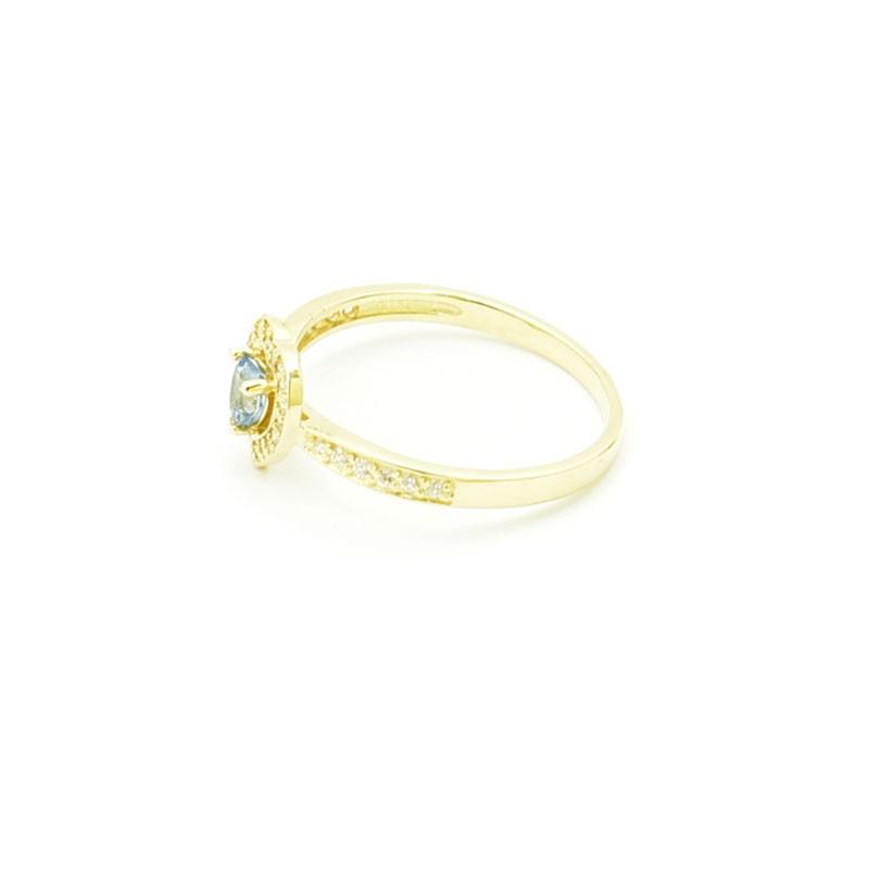 Delikatny złoty pierścionek z topazem